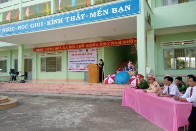 Tổ chức tuyên truyền về ATGT – ANTT tai trường THPT Hùng Vương